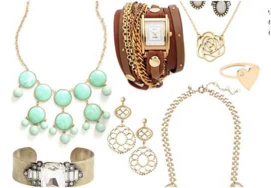 Jewelry & Accessorize Make Special On V-Day