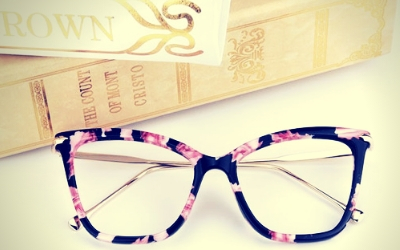 Complete Guide About How To Buy Eyeglasses Online